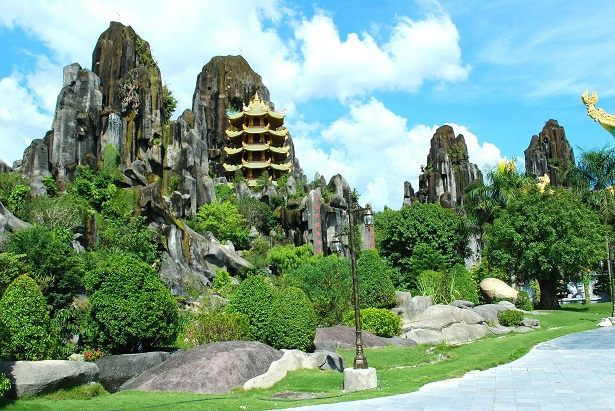Danang city tour on  12day   Vietnam packages