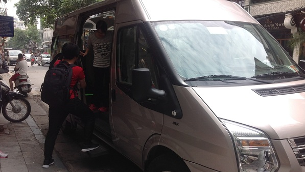16 American seat van for our Malaysian clients on their tours to Vietnam with us
