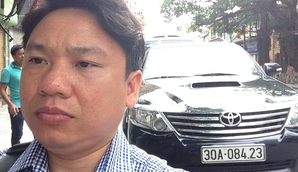Our tour guide and 7 seat car for North Vietnam package tour