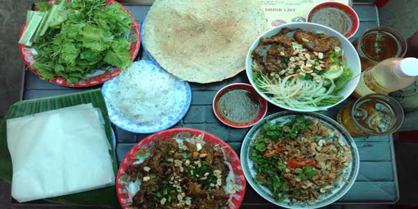 Hanoi street food tour on 12day Vietnam travel tours