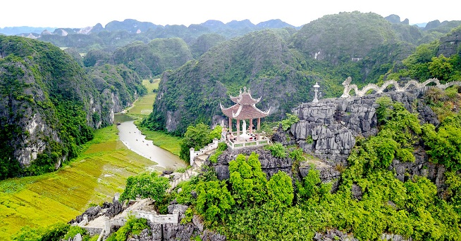 Mua Cave on your 12day Vietnam holiday tours