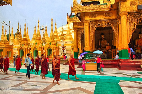 Tour Yangon on 12day package tour Myanmar and Vietnam 2019 & 2020