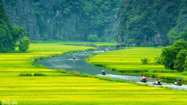 Tamcoc is best  vietnam travel luxury package